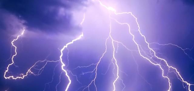 Météo France a émis un avis de vigilance orange orage sur notre département à compter de ce jour vendredi 23 juillet à partir de 17h, jusqu'à samedi 24 juillet à 6h. Restons vigilants. >>>Consulter le bulletin de vigilance Météo France